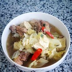 排骨圆白菜炖冻豆腐