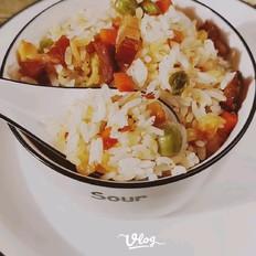 腊肉焖胚芽米饭