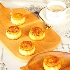 红豆沙蛋黄馅月饼