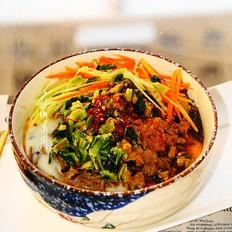 肉丝雪菜荞麦面