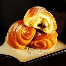 玫瑰豆沙馅面包