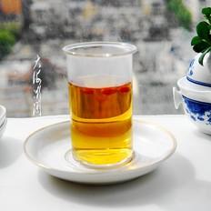 秋天女人常喝点红茶,暖体抗寒,皮肤滋润气色好