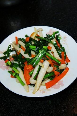 韭菜炒白玉菇的做法