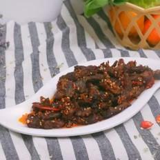麻辣牦牛肉,这道动辄上百元的零嘴,做法简单,在家就能制作