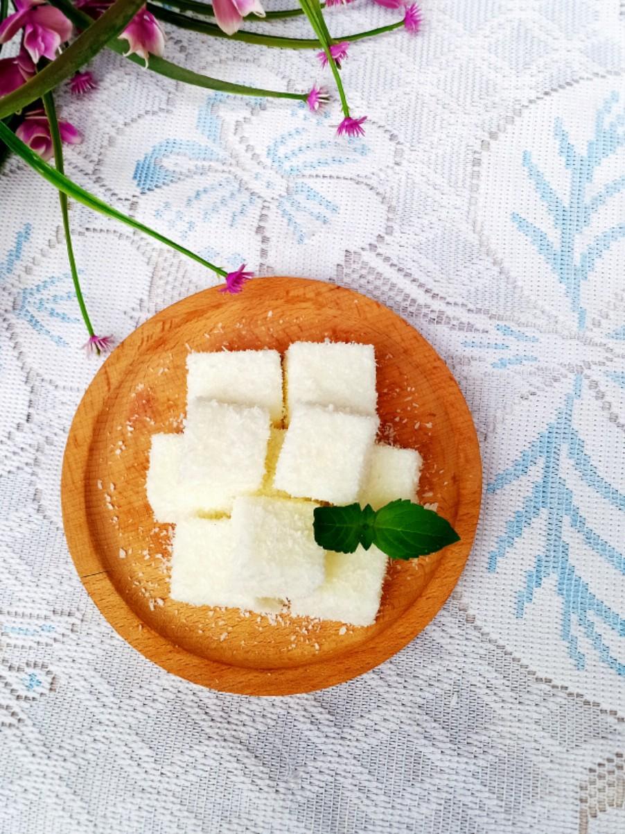 软糯香甜的椰蓉牛奶冻
