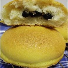 酥皮蜜黑豆面包