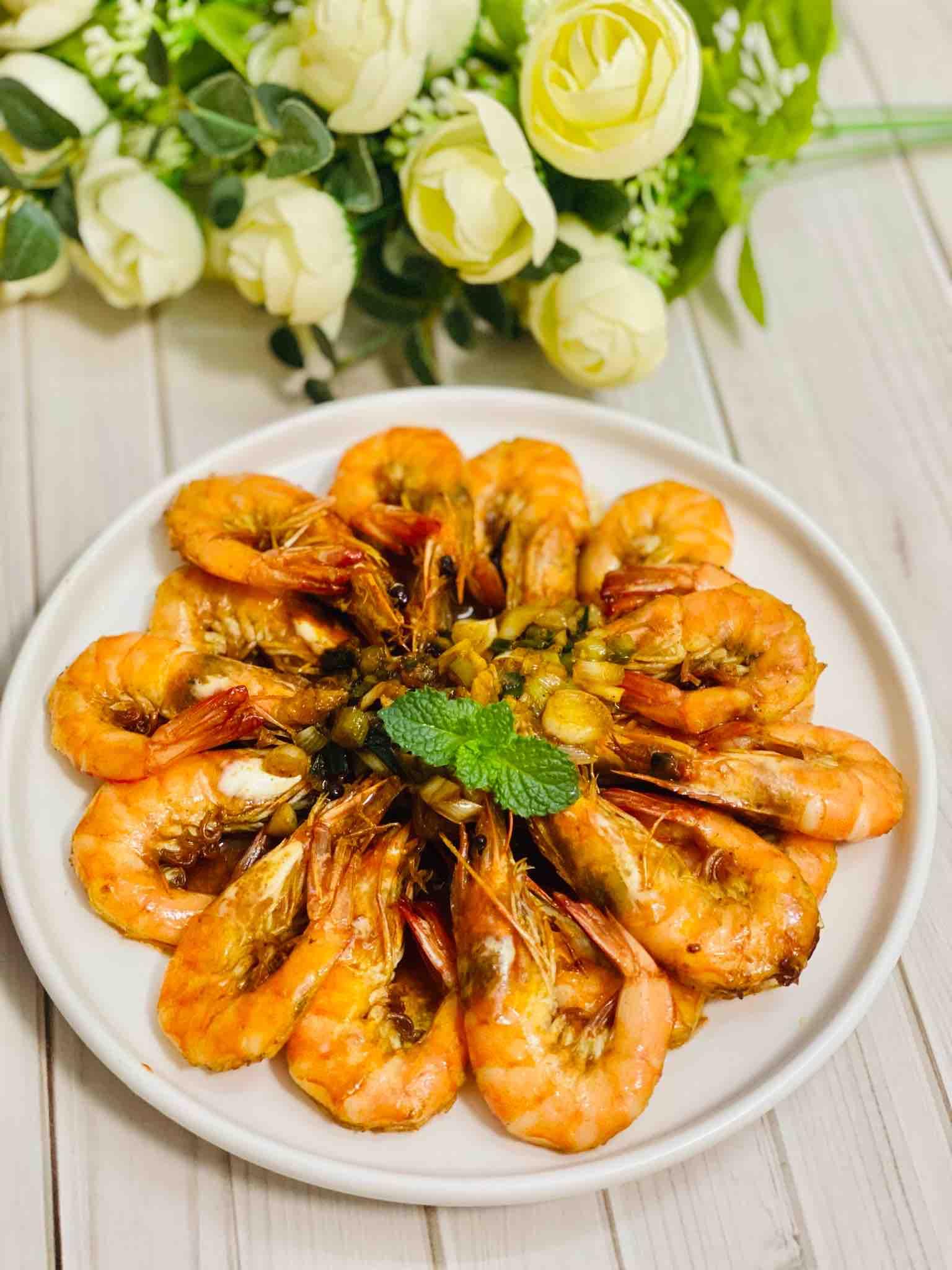 油燜大蝦,酥到連殼都能吃掉