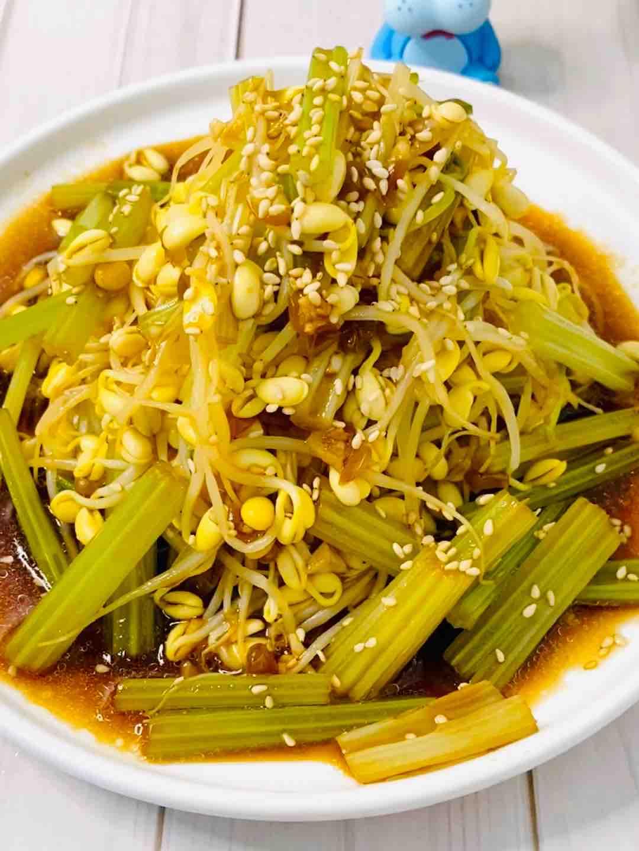 凉拌脆爽豆芽和芹菜