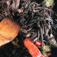 地瓜秧牛腱子炖茄干辣椒