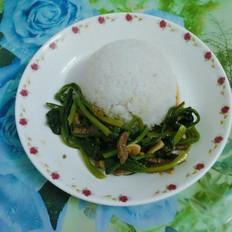 牛肉菠菜盖饭
