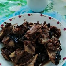 菌菇焖鸭肉