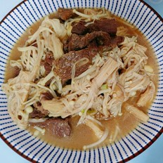 牛肉炒金针菇