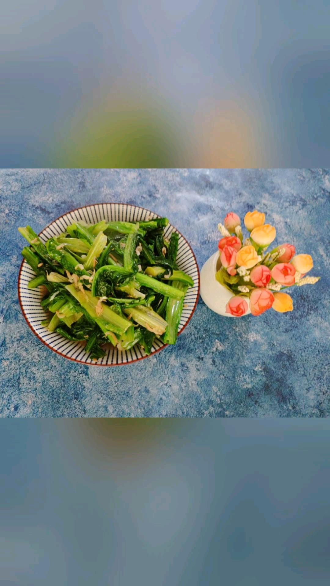 虾皮炒油麦菜的做法