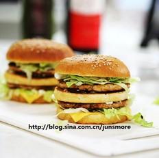 双层肉饼吉士汉堡