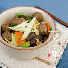 蚝油杂菌肉丸煲