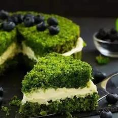 来看看我们这款绿意盎然的草木绿蛋糕!