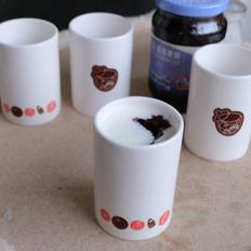 自制蓝莓果酱酸奶