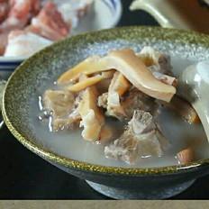 墨鱼排骨花生汤的做法大全