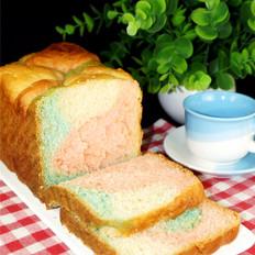 三色果味粉面包
