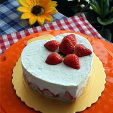 草莓奇异果慕斯蛋糕