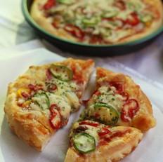 金枪鱼杂蔬披萨