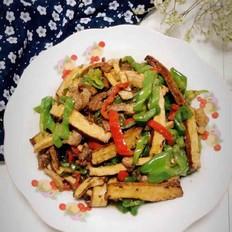 青椒肉丝炒干子