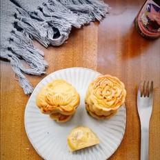 广式月饼-豆沙蛋黄月饼