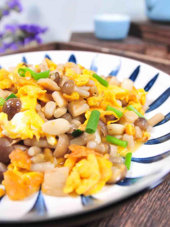 小菇炒鸡蛋