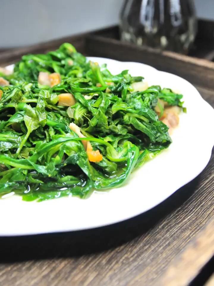 咸肉丝炒荠菜
