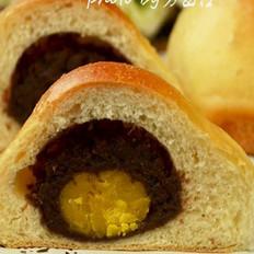 咸蛋黄豆沙夹心面包