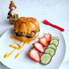 牛肉肠汉堡的做法