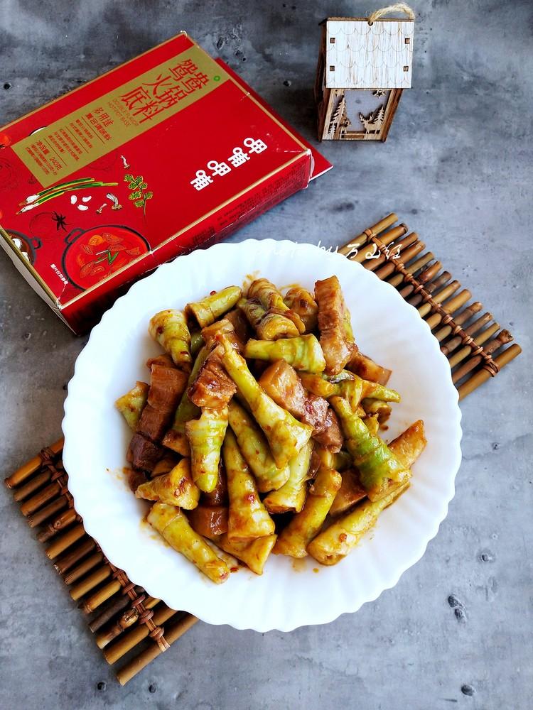 五花肉炒芦苇笋的做法