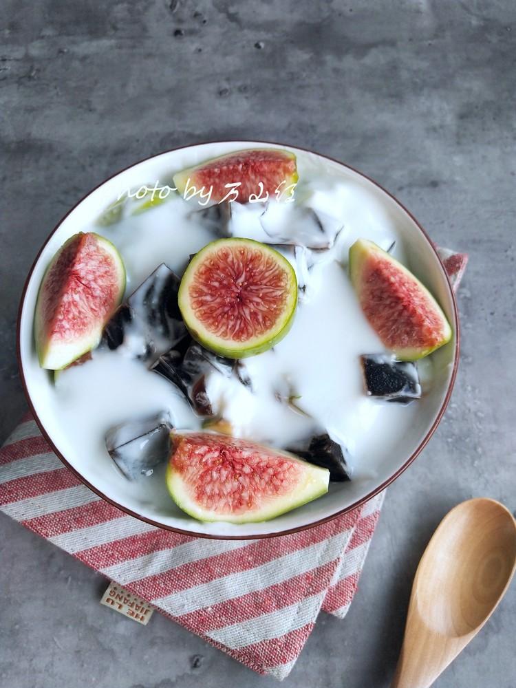 无花果酸奶烧仙草的做法