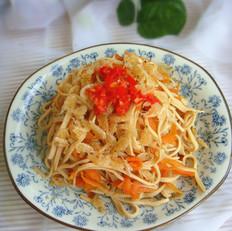 胡萝卜虾皮百叶丝