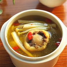 牛尾鲜菇汤