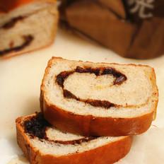 肉桂红糖葡萄干面包