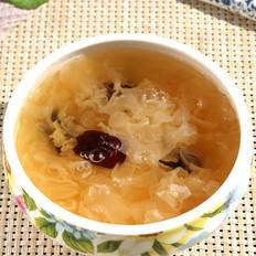 银耳皂角米红枣羹