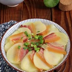 腊肉蒸土豆片