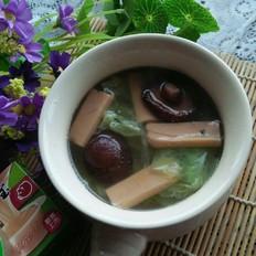 浓汤宝炖菜蔬