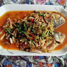 芹菜酸菜鲫鱼