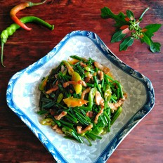 韭菜花炒猪肉丝