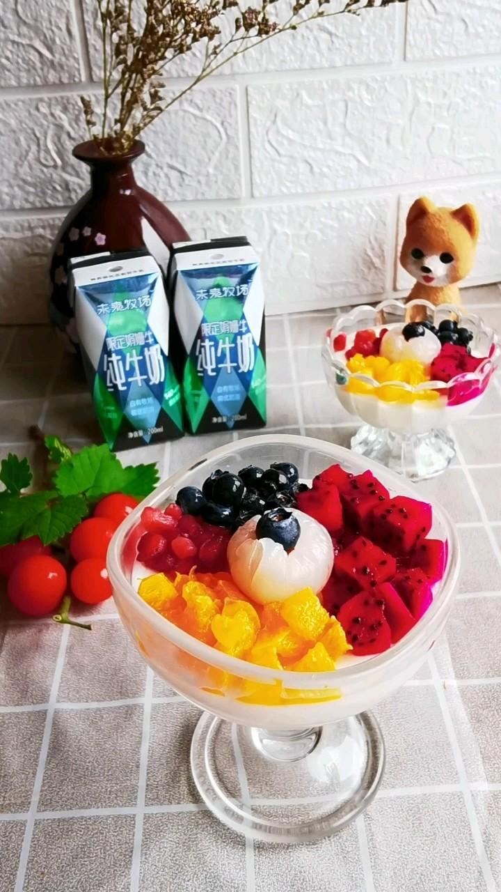 牛奶水果布丁的做法