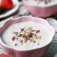 果仁牛奶燕麦粥