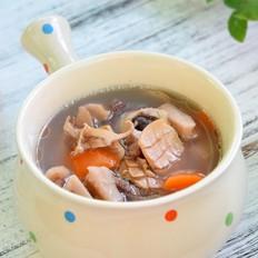 莲藕墨鱼筒骨汤