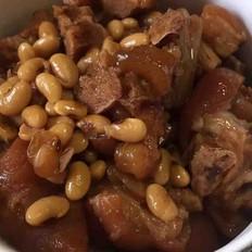 猪蹄焖黄豆的做法
