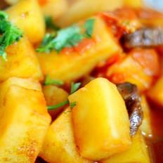 西红柿香肠炖土豆