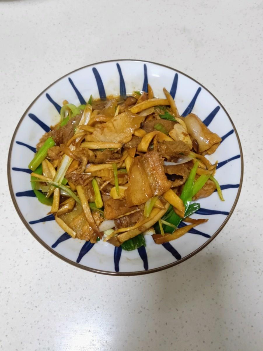 杏鲍菇炒五花肉