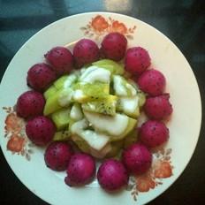 火龙果猕猴桃沙拉的做法