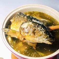 酸菜鱼头豆腐汤