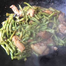 鸡肉炒豇豆